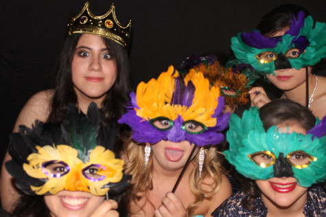 [Gallery] Prom: An Unforgettable Night – Photo Booth