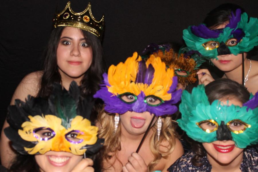 [Gallery] Prom: An Unforgettable Night - Photo Booth