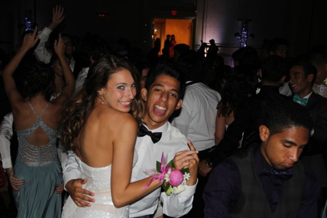Senior Andres Castro and senior Isabella Maldonado dance the night away at prom.