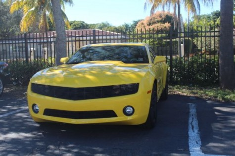 The Chevrolet Camaro 2011 is good for someone who wants a sporty look.