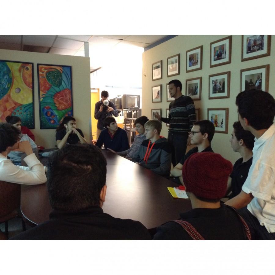 Pro+chat+speaker+Luis+Salas+discussing+his+career+in+the+entertainment+industry.+