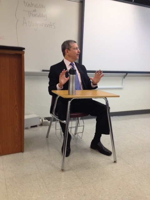 Landsberg spoke to students about life and career, cautioning them to