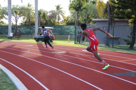 Antwan Walker leading off the boys 4x100 meter relay.