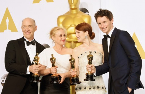 All of The 2015 major academy awards winners pose for a picture after the ceremony.