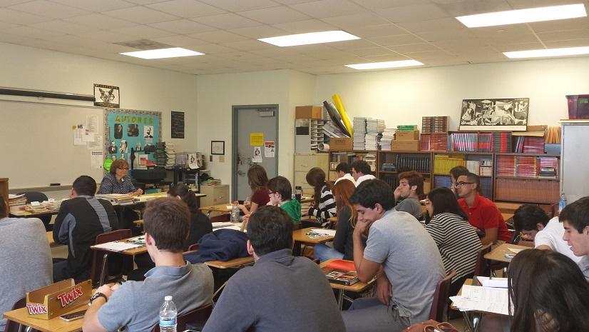 La clase está inmersa en un intenso discurso.