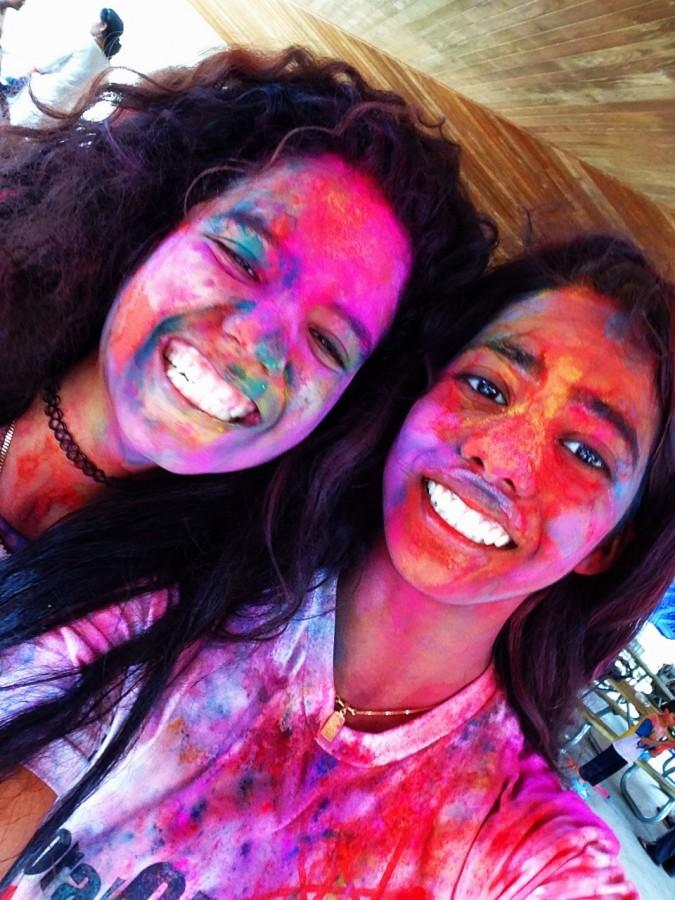 Sophomore+friends+Libertad+Robledo+%28Left%29+and+Bhargavi+Pochi+%28Right%29+celebrated+Holi+and+the+changing+of+the+seasons+with+bright+colors.+++
