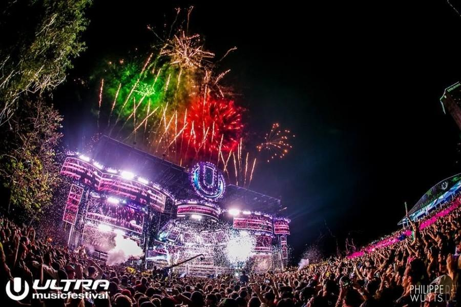More than 150,000 people from all over the world enjoying electronic dance music.