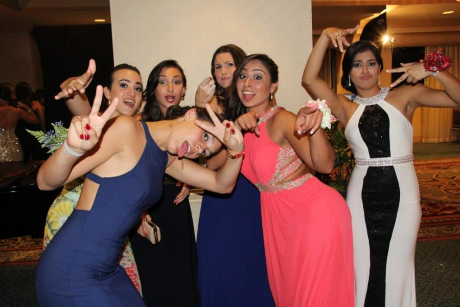 Class of 2015 Enjoys Their 'Night to Remember'