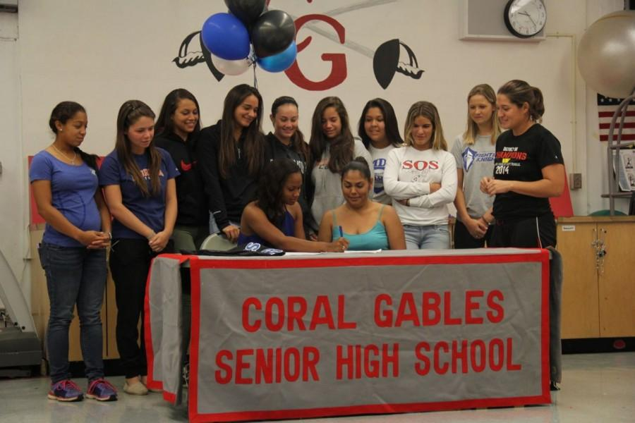 Chanelle 'Coco' Wilson signs with Miami-Dade College Softball!