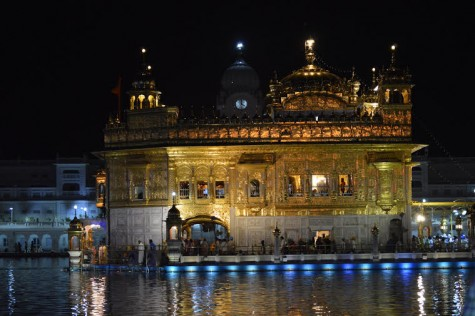 A picture of the golden temple located in Amritsar, Punjab, India