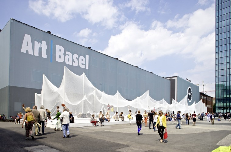 Art+Basel+is+a+popular+art+event+with+heavy+security+but+heavy+security+but+crime+can+always+happened.+