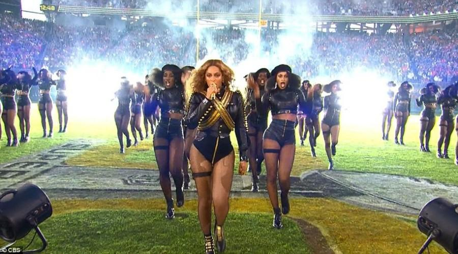 Beyoncé's Superbowl 50 halftime show paid homage to the Black Panthers, which caused concern for police officers.