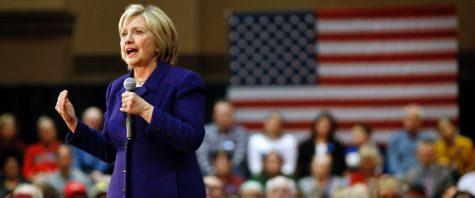 Controversiales declaraciones de Clinton hacen de este fin de semana una batalla política.