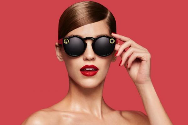 Te presentamos las nuevas gafas con camara de video que lanzo Snapchat.