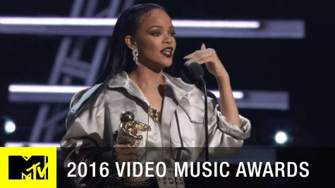 Rihanna gives a speech after accepting the Vanguard award