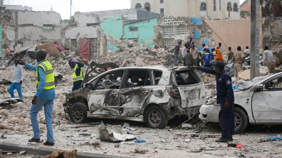 Officers retake control of the Dayah Hotel in Mogadishu after the deadly attack.