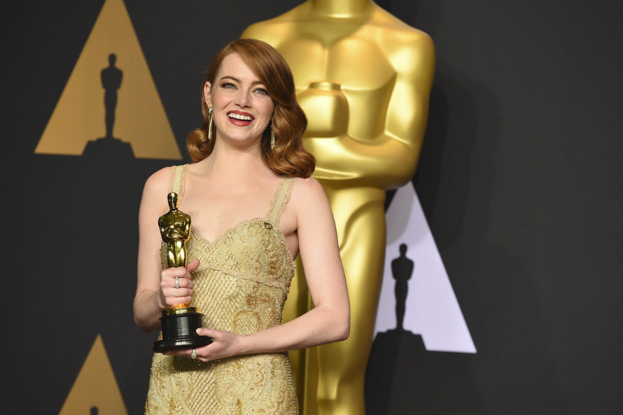 Emma+Stone+talks+to+the+press+about+winning+the+Oscar+for+Best+Actress+for+La+La+Land