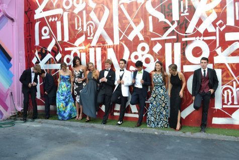Round up your whole group and head over to the Wynwood Walls for some nice pre-prom pictures.