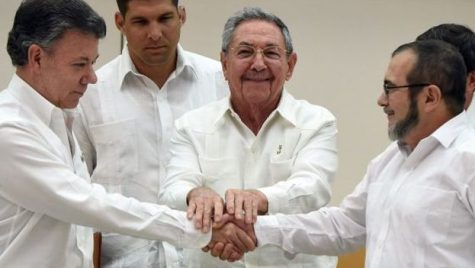 Miembros de la FARC ( Fuerzas Armadas Revolucionarias de Colombia) han sido autorizados a postularse en las próximas elecciones