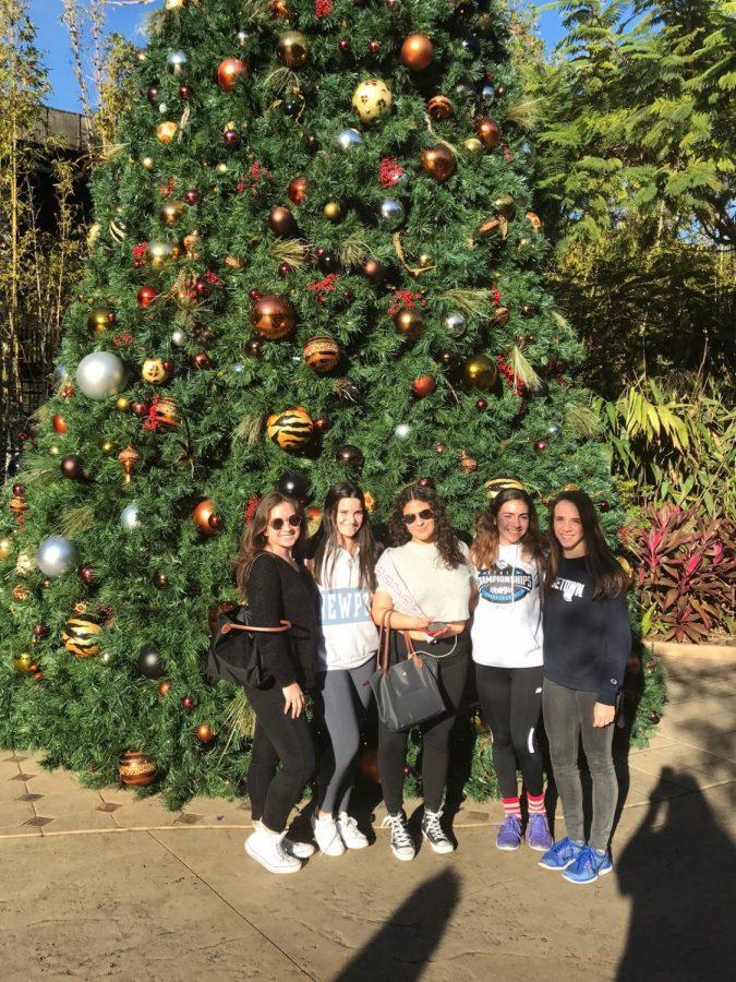 Maria+Estrada%2C+Dominique+Babin%2C+Nicole+Verdesoto%2C+Natalia+Rodriguez+and+Marina+Torras+get+in+the+holiday+spirit+at+Busch+Gardens.