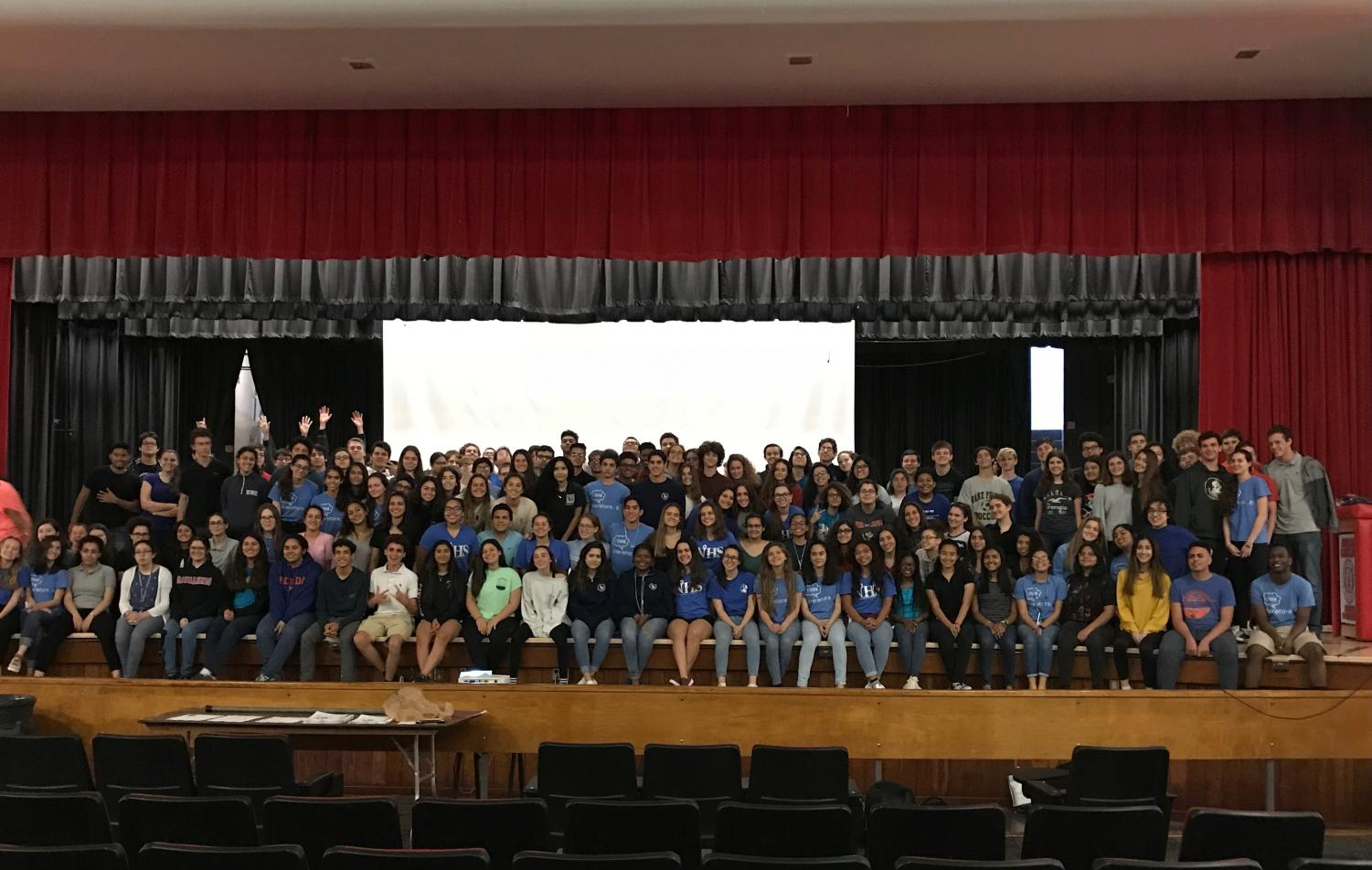 IB Class of 2020 poses for a picture at IB Sophomore Boot Camp.
