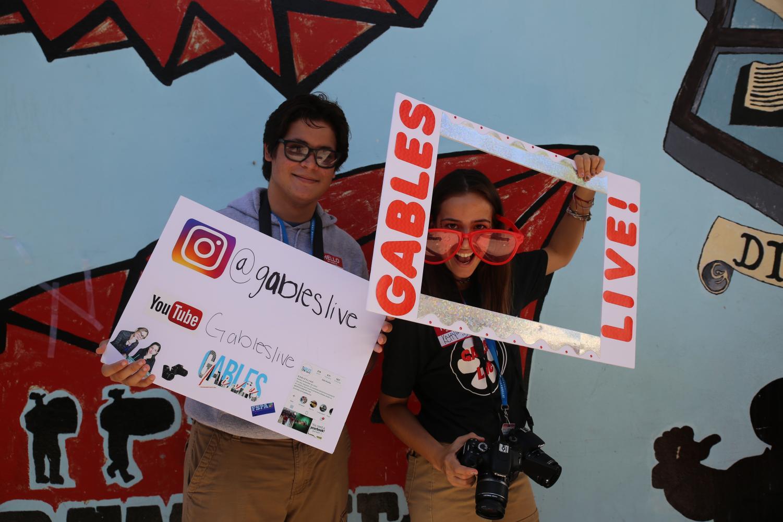 Gables+Live%2C+el+grupo+de+producci%C3%B3n+videogr%C3%A1fica%2C+promueve+sus+redes+sociales.