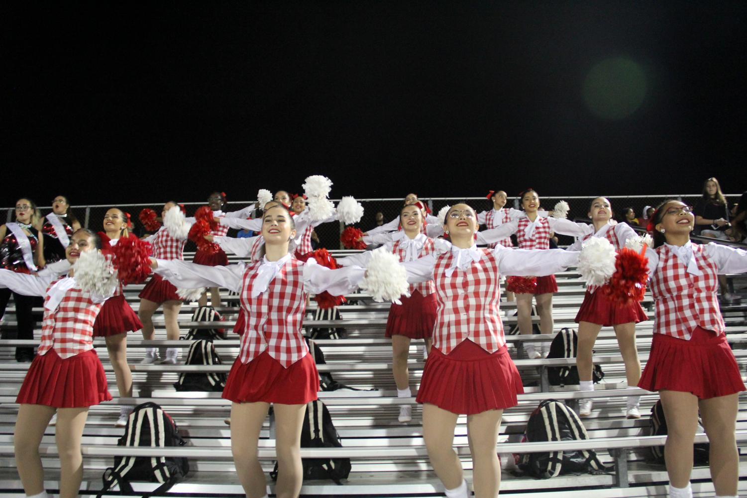 Gablettes+cheer+on+the+Cavaliers+as+they+take+on+Columbus.