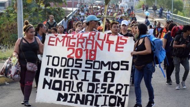 M%C3%A1s+de+500+inmigrantes+Centroamericanos+se+trasladan+buscando+escapar+de+las+adversidades+de+sus+pa%C3%ADses.+