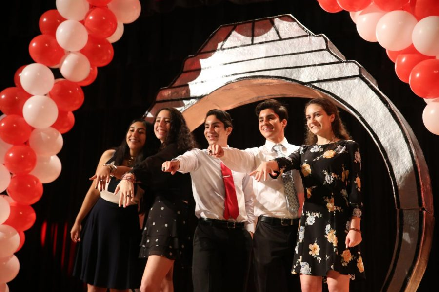 Juniors pose with their class rings at the Coral Gables Senior High 2019 ring ceremony.
