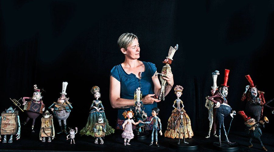 Georgina+Hayns%2C+creative+supervisor%2C+puppet+fabrication%2C+with+the+cast+from+%22The+Boxtrolls%22.+%0A