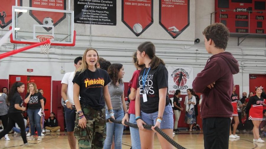 Sophomores participate in the tug of war.