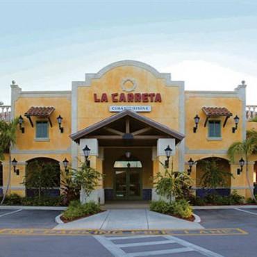 La+Carreta%2C+fundada+en+la+calle+Ocho+en+La+Peque%C3%B1a+Habana+en+1976%2C+se+ha+convertido+en+un+lugar+tur%C3%ADstico+para+todos+aquellos+que+quieren+comer+aut%C3%A9ntica+comida+cubana.