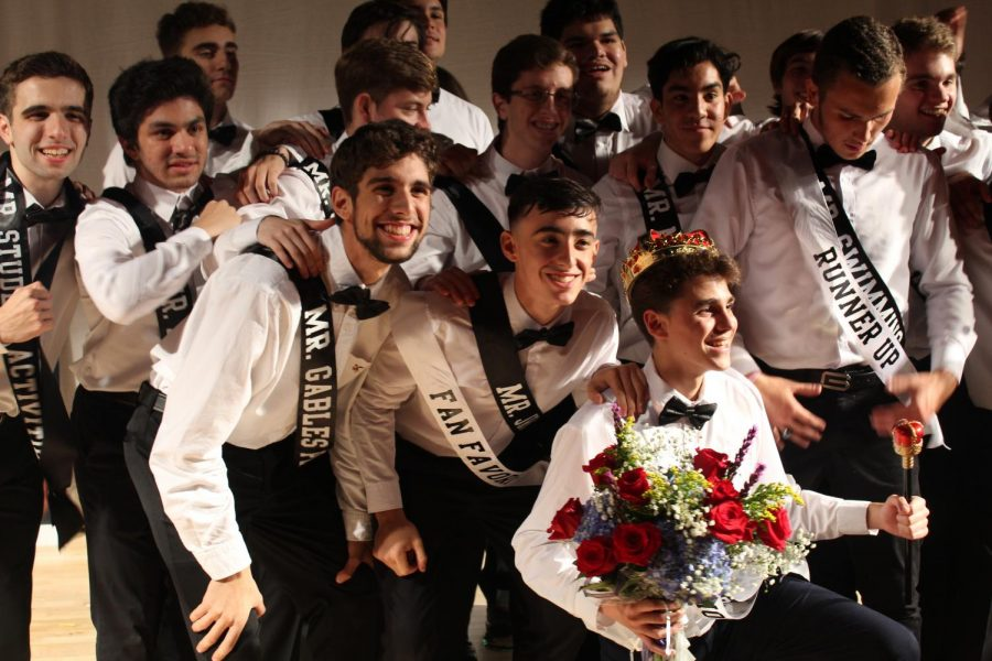 After the Mr. Coral Gables show, all of the contestants posed for one final picture with each other.