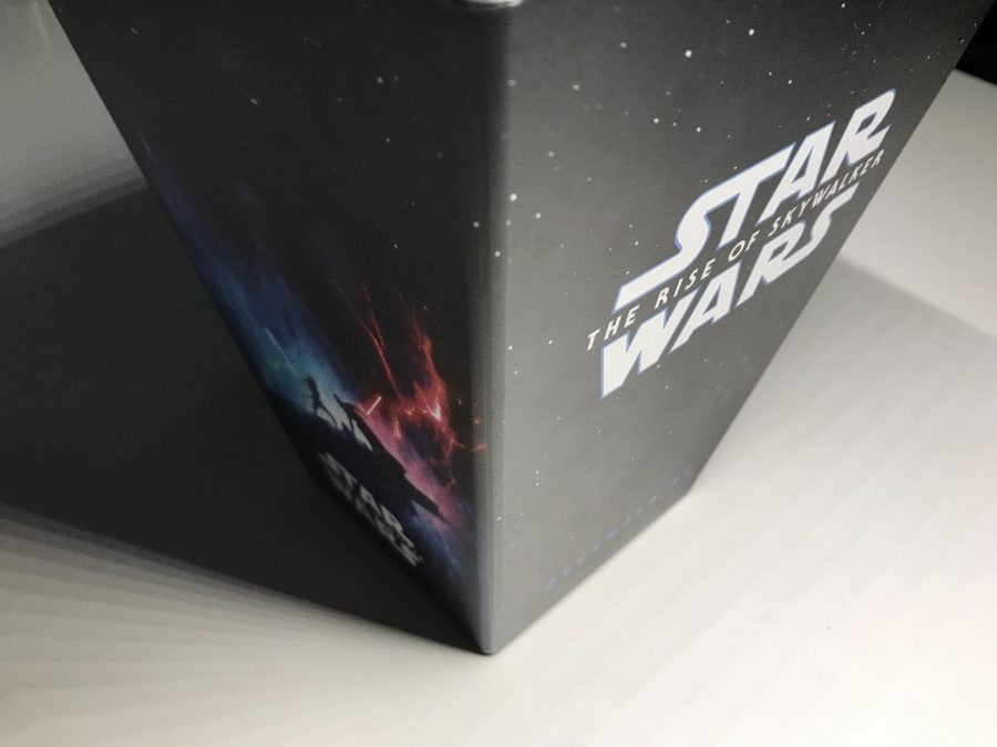 A free popcorn bucket given to people who watched the new Star Wars film.