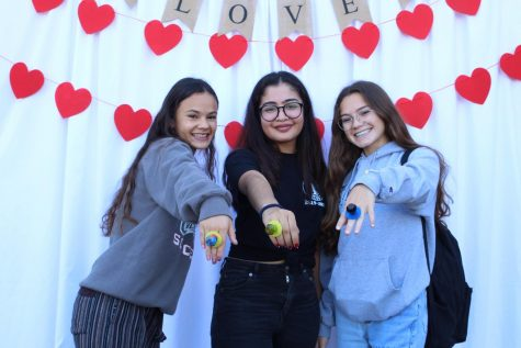 Today, Interact hosted a marriage session during both lunches for those who wished to get married with a ring pop!