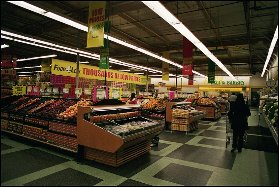 Supermarket+Sweep+is+a+new+game+show+airing+weekly+on+ABC.+Its+hilariously+bizarre+content+creates+a+show+unlike+any+other+on+television.