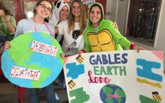 Current Gables Earth Co-Presidents, Ana Bermudez (far left) and Lauren Gregorio advocate for their club at the 2019-2020 annual club fair!