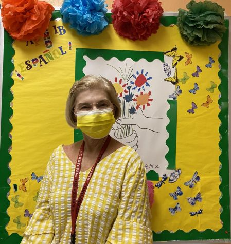 Mrs. Haun is an International Baccalaureate Spanish teacher at Coral Gables Senior High who is officially retiring after teaching for around five decades.